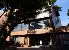 西尾市立図書館 本館のご案内